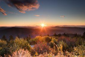 Východ slunce pohledem z Lysé hory